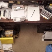 Office-clutter-phsical-02032015